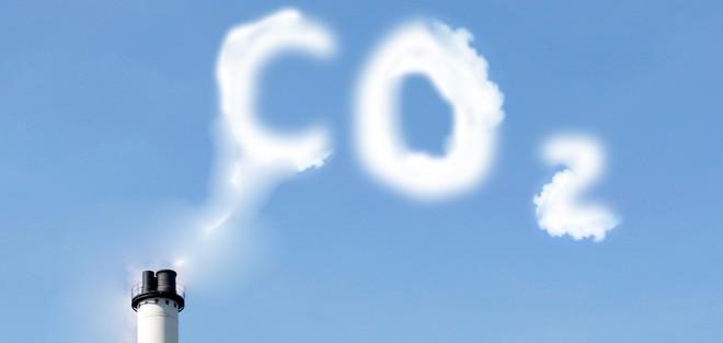 CO2 i røg på himlen
